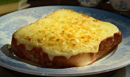 Гренки с тертым сыром