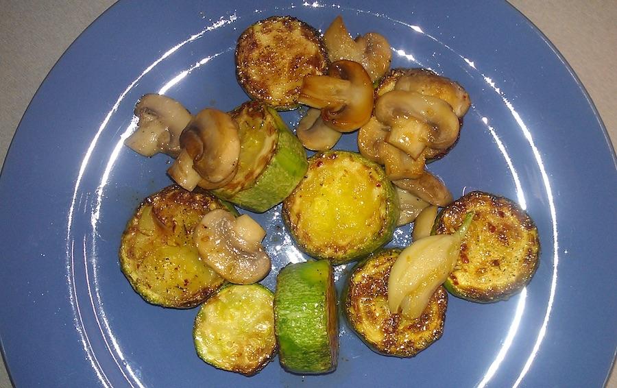 Жареные кабачки с грибами